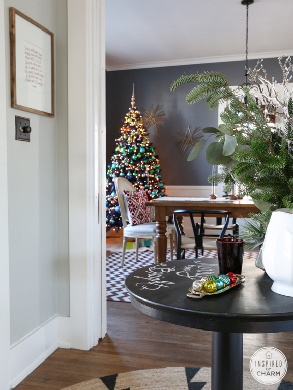 Holiday decorating favorites for Dining room entrance designs