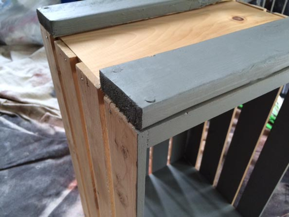 Diy wood crate rolling table bench greco design company for Wood crate bench