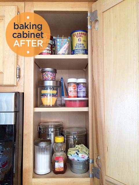 organizing the kitchen cabinets & FREE labels